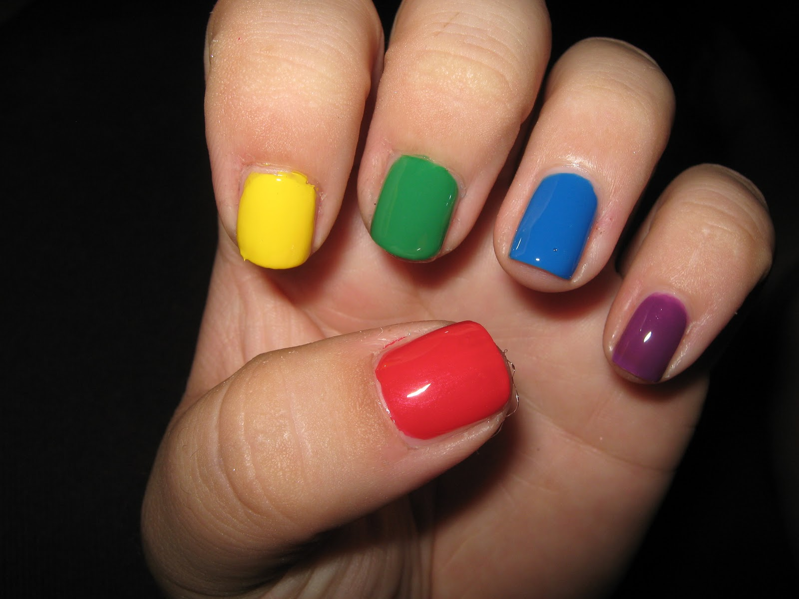 Okay so the funky rainbow coloured nails… cool but more suited to